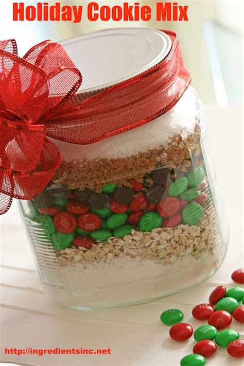 holiday cookie mix in a jar