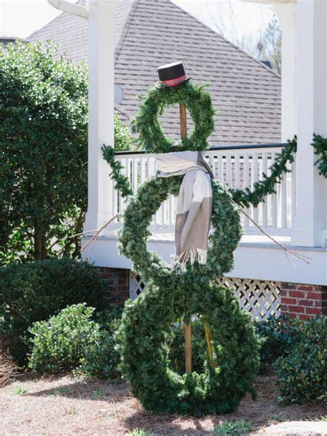 how to make a life sized wreath snowman hgtv
