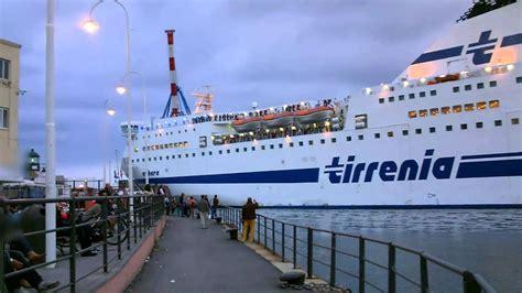 tirrenia porto torres la nave tirrenia athara partenza dal porto di genova 11