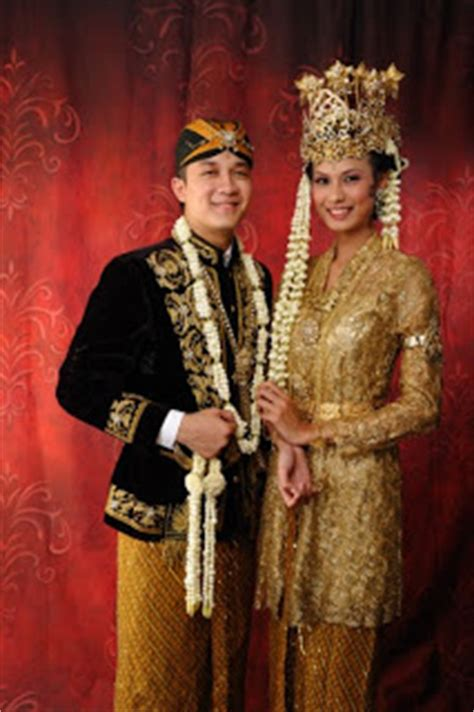 Baju Adat Sunda Kecil foto foto pakaian pengantin adat 1000 fakta unik dan menarik