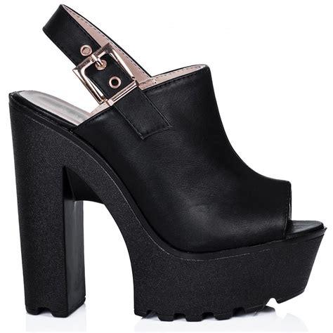 suri block heel cleated sole platform shoes black