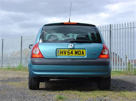 clio renault 2003 renault clio hatchback review 2001 2008 parkers