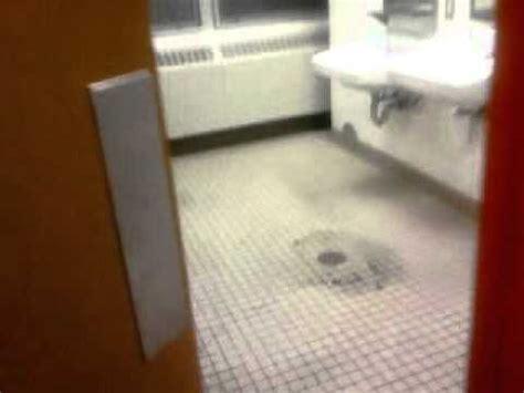 Keep Your Tub Flood Free With The Starfish Bath Alert by Bathroom Flood
