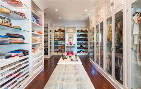 The Closet Gallery by Tour Yolanda Foster S 27 5m Malibu Home Slice Ca
