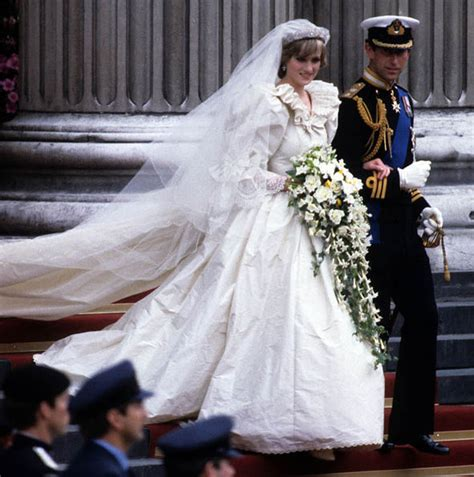 princess diana wedding to prince charles engagement ring wedding dress photos royal news