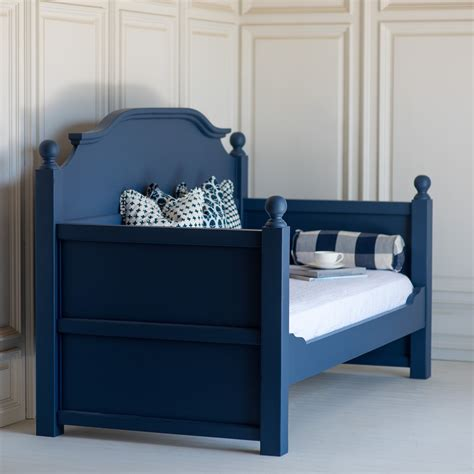 Handmade Bed Company - cornwallis daybed by the beautiful bed company