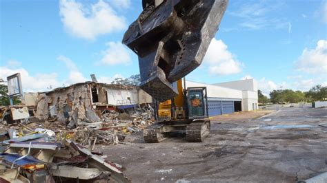 Demolition Clears Path   Retail Parcel  Fashion