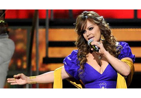 jenni rivera biography in spanish jenni rivera drives telemundo to outperform cbs fox