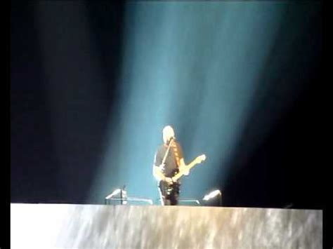 comfortably numb o2 arena comfortably numb roger waters and david gilmour live