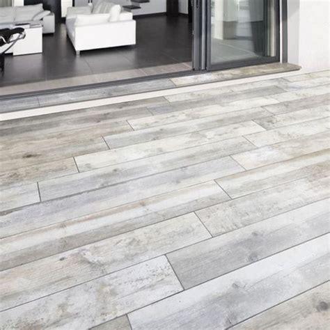 terrasse carrelage carrelage terrasse gris 20 x 120 cm rewood castorama