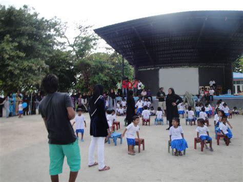 who celebrates s day file childrens day celebrate in kendhoo maldives jpg