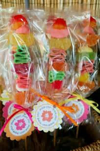 Luau Favor Ideas by Best 25 Hawaiian Favors Ideas On Luau