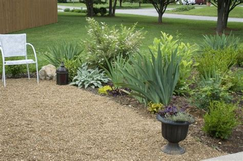 Gravel Backyard Ideas Pea Gravel Patio Deck Ideas Gardens Townhouse Landscaping And Backyards