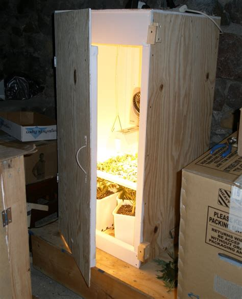 Diy Closet Grow Room by Diy Stealth Grow Box Quotes