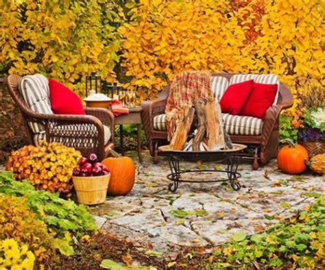 creating warm home decor for fall dig this design diy welcome the fall with warm and cozy patio decorating