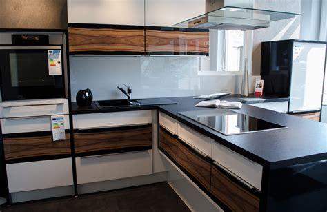 küchen günstig kaufen mit elektrogeräten k 252 che magnolia welche wandfarbe