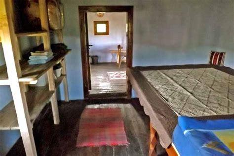 einsame hütte mieten 2 personen einsame kapaten bergh 252 tte mieten in rum 228 nien 2 personen