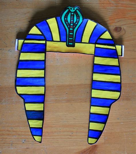 pharaoh crown template 25 best ideas about pharaoh costume on