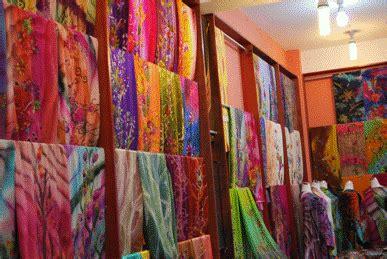 Kain Batik Sutera tips memilih baju batik modern untuk pesta info fashion