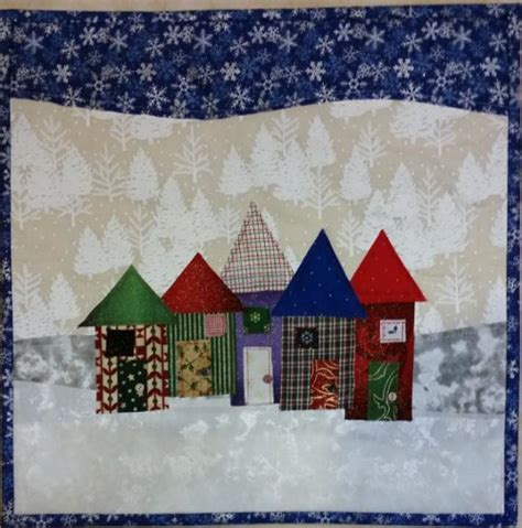 Christmas Row Houses Pattern   FaveQuilts.com