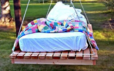 Hanging Pallet Bed by White Easiest Hanging Daybed Diy Projects