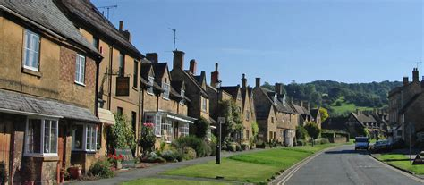 best of the cotswolds 18 of the prettiest villages in the cotswolds simon s jamjar