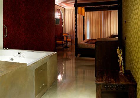 hotel a tema pavia suite a tema vicino pavia suite vasca idromassaggio pavia