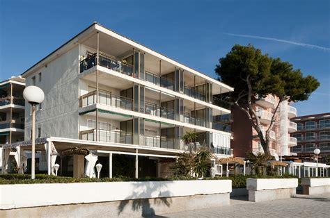 apartamentos augustus  hotels