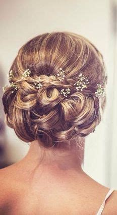 Wedding Hairstyles With Gypsophila by Best 25 Vintage Updo Ideas On Vintage Bridal