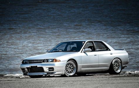 r32 skyline buy the 4 door r32 skyline gt r that nissan never made