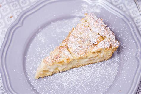 apfel mit decke apfelkuchen mit mandel marzipan decke rezept