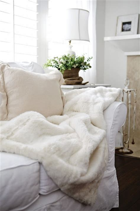 white fuzzy comforter 1000 images about warm fuzzy blankets on pinterest