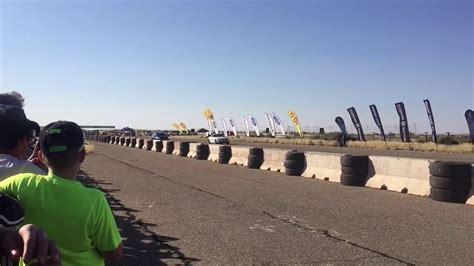 Golf R Quarter Mile by Bmw Z4 3 5i Vs Vw Golf R Quarter Mile Drag Race
