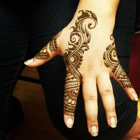 mehndi design in instagram hennabydivya s photo on instagram henna mehndi unique
