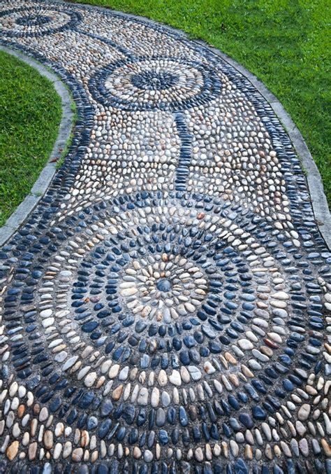 gartenboden gestalten 35 gorgeous garden pathways to tiptoe on garden club