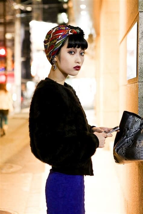 street style hair scarves 19 headscarf fascinating street style photos from japan