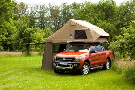 dachzelt von  dog camping fuer den ford ranger wildtrak