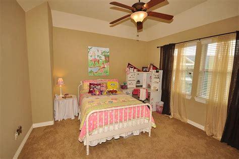 20 kids bedrooms that usher in a fun tropical twist kid bedroom 1