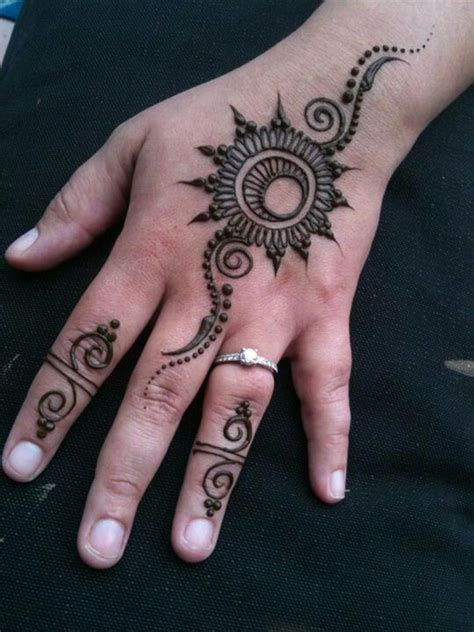 simple sun henna tattoo best 25 easy mehndi designs ideas on easy