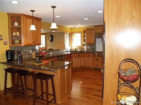 kitchen remodels with oak cabinets custom oak kitchen cabinets w paint color backsplash