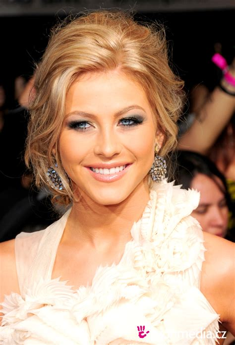 how to do julianne hough hairstyles julianne hough hairstyle easyhairstyler