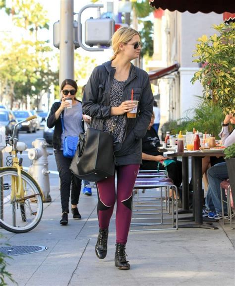 Mischa Barton Pics Now With Tights by Mischa Barton In Tights 05 Gotceleb
