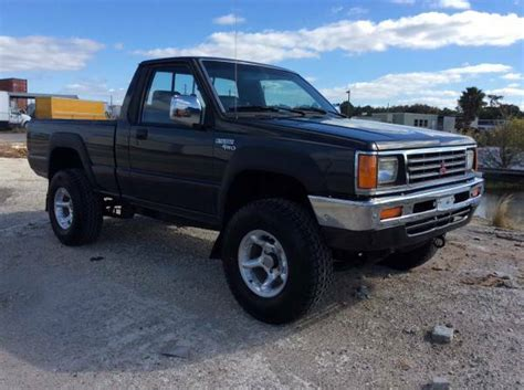 mitsubishi pickup mighty max 1988 mitsubishi mighty max 4x4 pickup truck with manual