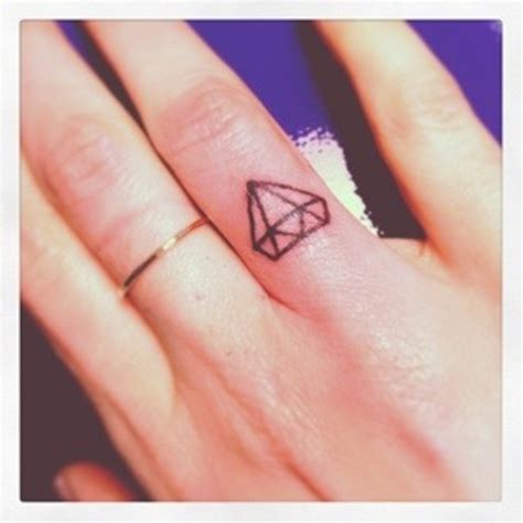 56 stylish diamond tattoos on finger