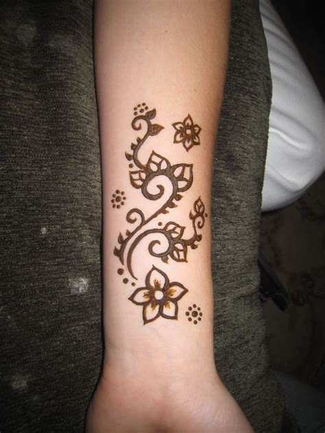 tattoos for beginners 29 amazing henna designs wrist easy makedes
