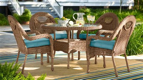 prospect hill dining table prospect hill wicker dining table and 4 chairs set