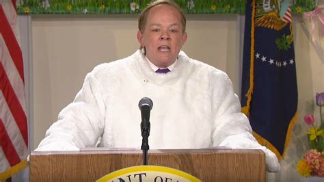 sean spicer returns snl melissa mccarthy s sean spicer returns to snl dressed as