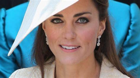 duchess of cambridge top designer slams duchess dailytelegraph com au