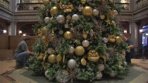 christmas tree goes up at macy s walnut room abc7chicago com