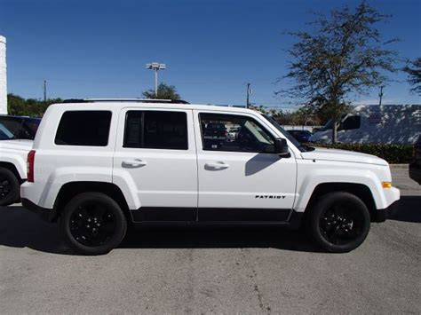 white jeep patriot with white rims white jeep patriot black grill www pixshark com images